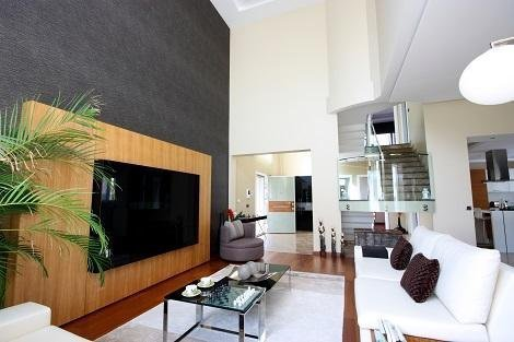 Beautiful home with Theater inside